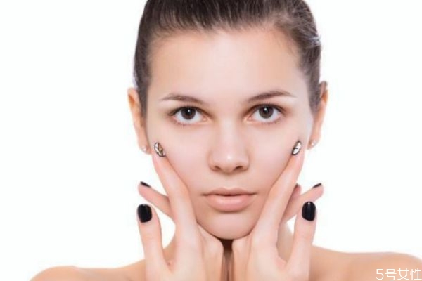 皮肤管理能改善皮肤吗 皮肤缺水的三大原因