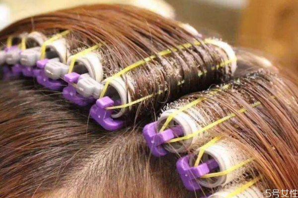 发根烫能保持多久 发根烫是什么样子
