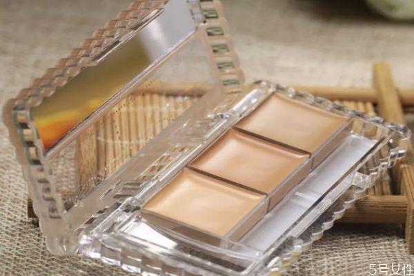 遮瑕膏的使用误区 如何减少遮瑕膏对皮肤的伤害