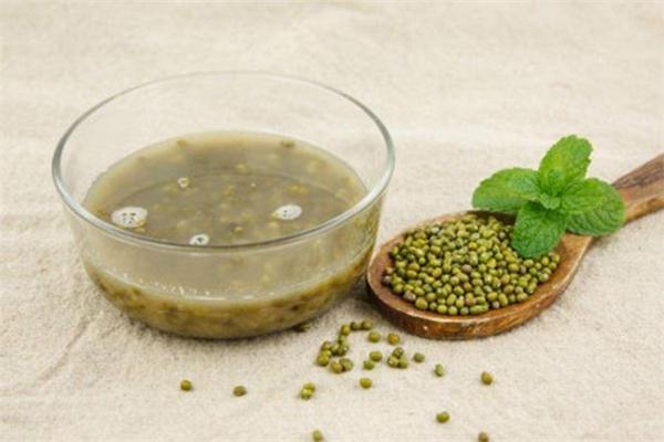 喝绿豆汤拉肚子是怎么回事 脾胃不好能喝绿豆汤吗