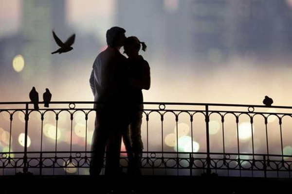 爱上离婚的女人会后悔吗 爱上离婚的女人会怎样