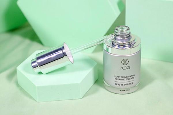 xdg小银瓶精华质地如何 xdg小银瓶精华一次用多少