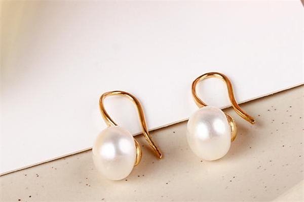 玉品德珍珠耳环怎么样 玉品德珍珠耳环好看吗