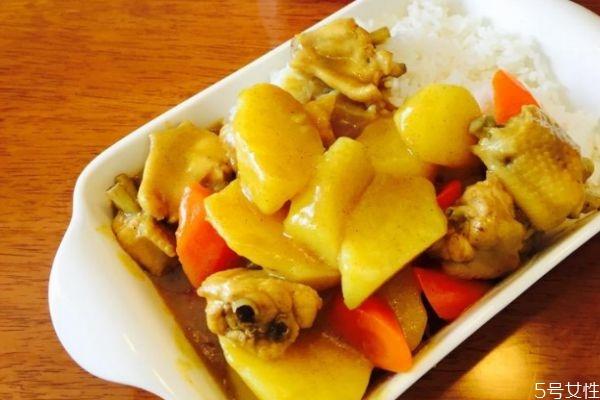 咖喱鸡翅饭怎么做 咖喱鸡翅土豆的做法