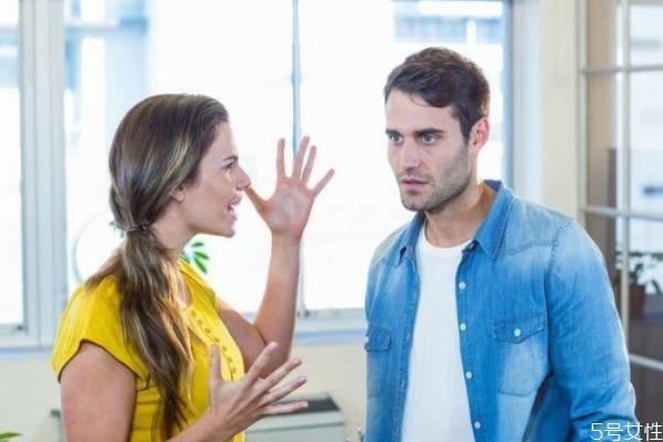 吵架时男人沉默代表什么 男人爱不爱你看这三个标准