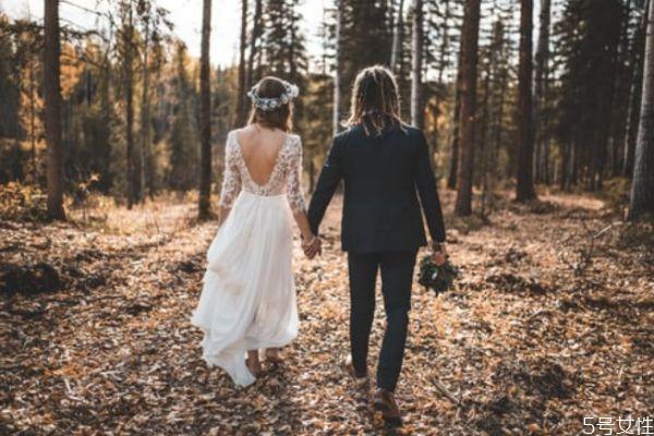 夫妻吵架离婚怎么挽回 夫妻闹离婚要怎样挽回