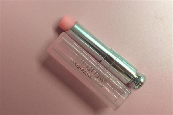 迪奥变色唇膏保质期多久 迪奥变色唇膏过期了还能用吗