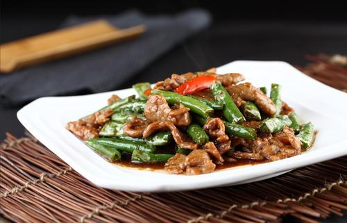 尖椒牛柳怎么做好吃 尖椒牛柳的做法