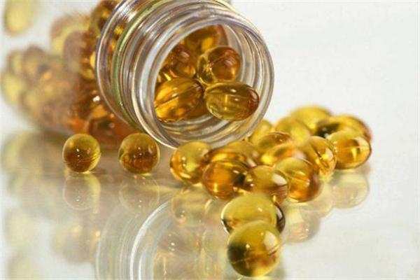 鱼肝油可以护肤吗 油皮痘痘肌可以用鱼肝油擦脸吗