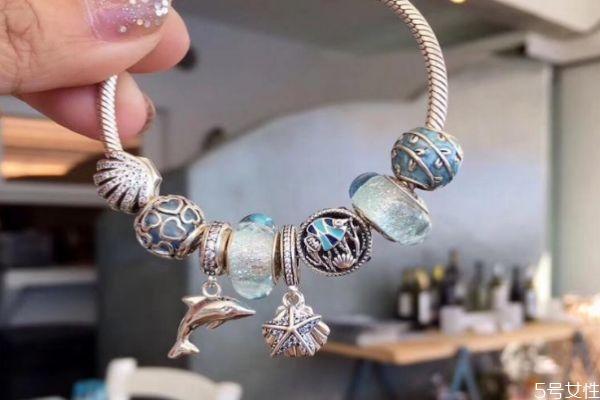潘多拉蓝色手链的寓意是什么 潘多拉蓝色手链寓意