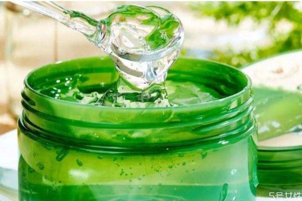 芦荟胶可以当水乳用吗 芦荟胶和水乳的顺序