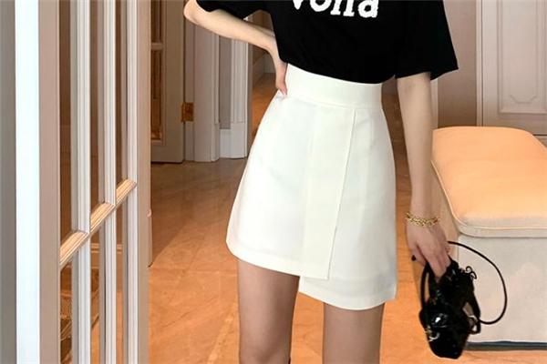 a字裙是什么样子的 a字裙和伞裙的区别