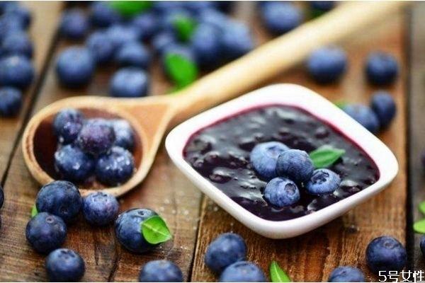 自制蓝莓酱能放多久 上面有一层泡沫是坏了吗