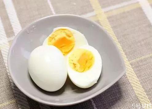 吃了散黄的鸡蛋会中毒是真的吗 坏鸡蛋吃了怎么补救