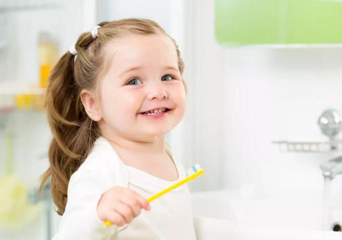 宝宝长牙慢是什么原因 宝宝长牙吃哪些东西好