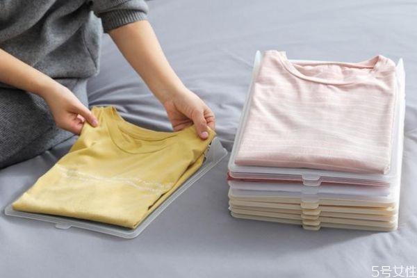 怎样叠衣服才不会皱 出门带衣服怎样叠不皱