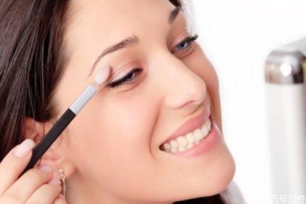 妆前乳能隔离彩妆么 妆前乳可以用什么替代