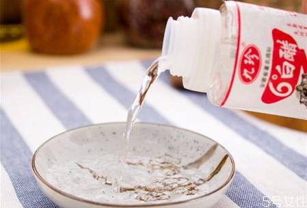 白醋熬煮消毒效果好吗 喝醋能杀菌吗