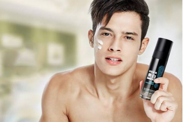 男生只用爽肤水可以吗 男士最基本护肤三步骤