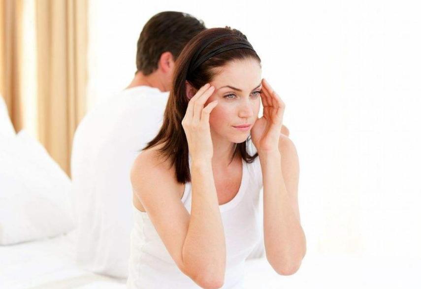 排卵期出血会影响月经推迟吗 排卵期出血可以同房吗