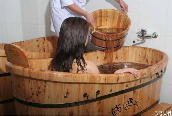 中药泡澡有什么好处 药浴的注意事项