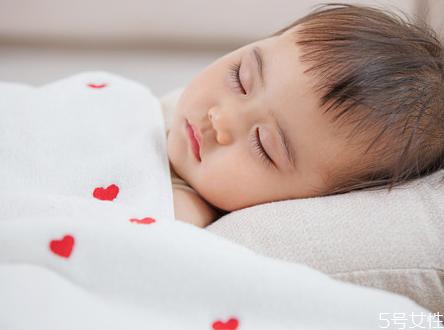 婴儿输液为什么要打头部 婴儿输液应注意什么