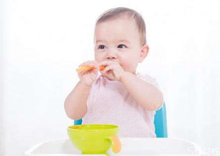 小儿急性肠胃炎反复发烧怎么办 小儿急性肠胃炎需要输液吗