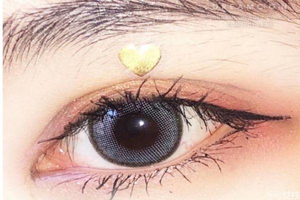 小眼睛美瞳买大了怎么办 眼睛小的人适合戴多大的美瞳