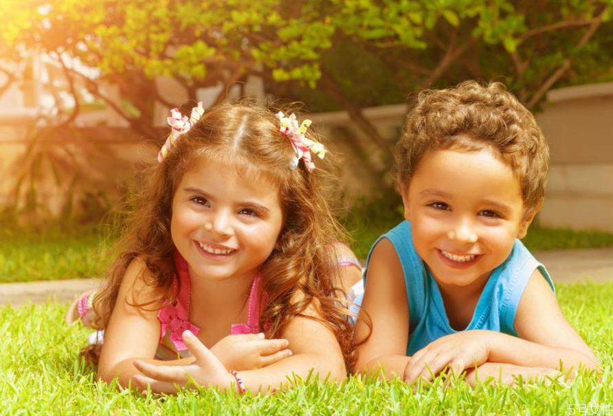 6岁前孩子聪明的表现 0-6岁幼儿养育关键要点是什么