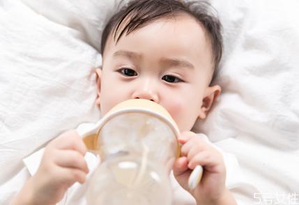 温好没吃的母乳可以放回冰箱吗 为什么不建议用热水加热母乳