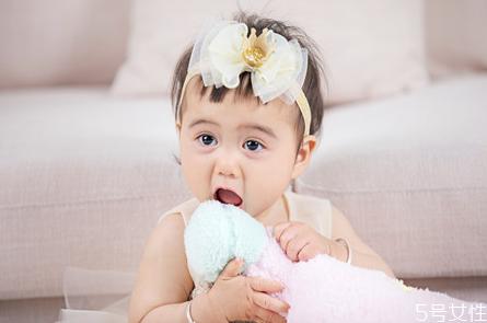 宝宝安抚物怎么选 安抚物对宝宝有哪些好处