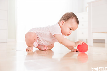 怀女孩乳房有什么特征 怀孕前三个月怀女孩的征兆