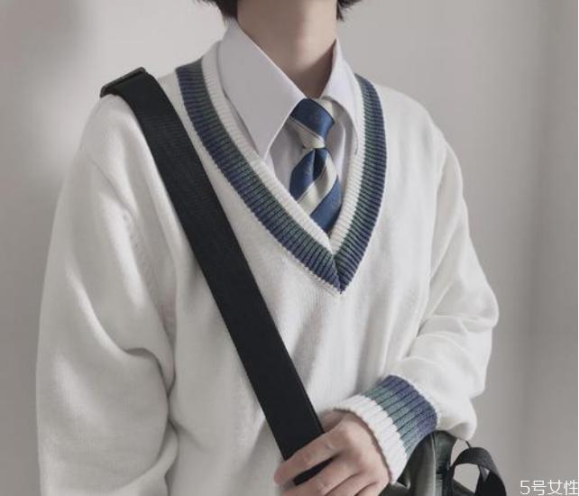 女生说的dk男孩是什么意思 dk制服男生可以穿吗
