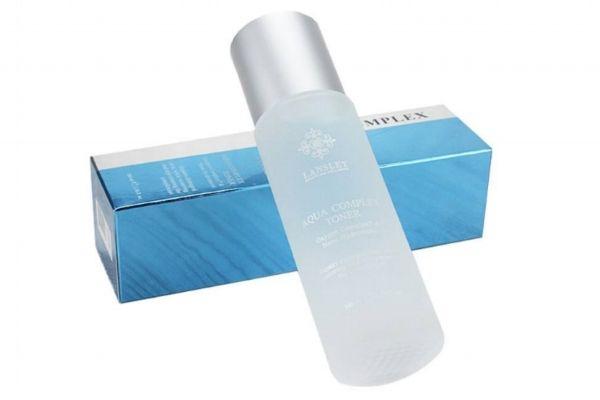 化妆前可以用爽肤水吗 化妆前用爽肤水还是保湿水