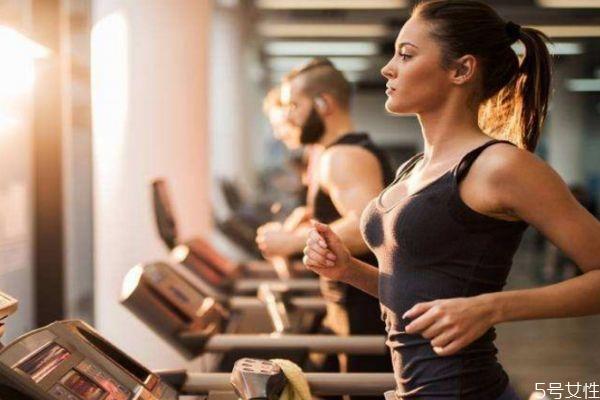 女性运动内衣大小怎么选 大胸如何挑选运动内衣