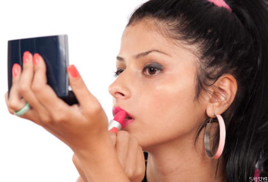 妆容为什么看上去很脏 底妆为什么会氧化