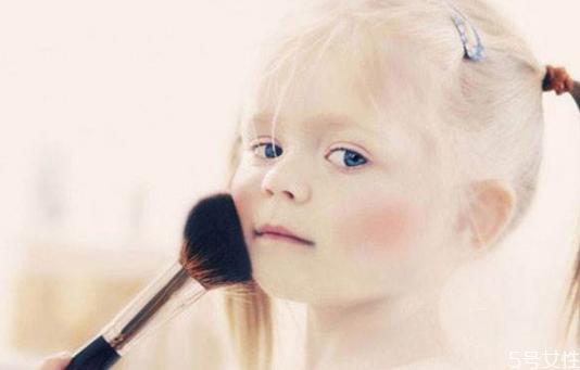 小孩子可以化妆吗 儿童装怎么化