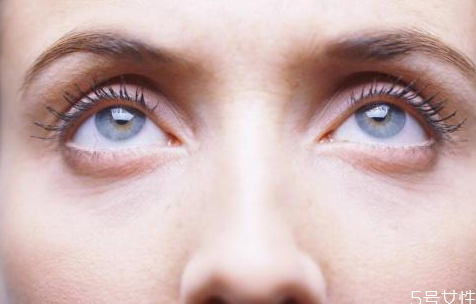 为什么不建议割眼袋 割眼袋术后注意事项