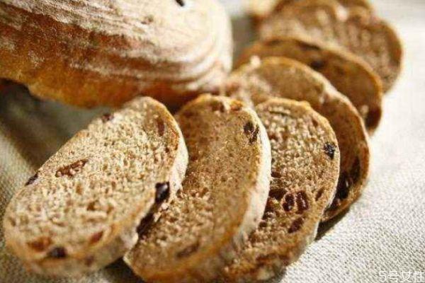 减肥一天吃多少全麦面包 如何区别真假全麦面包