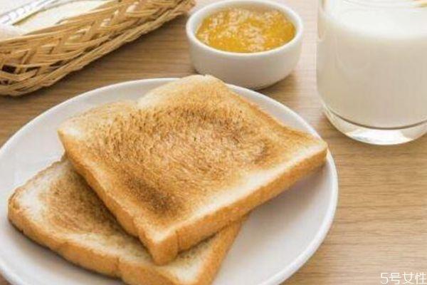 全麦面包什么时候吃最好 吃一周全麦面包会瘦吗