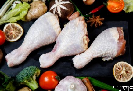 冻鸡腿怎么去腥味 鸡腿和鸡翅哪个热量更高