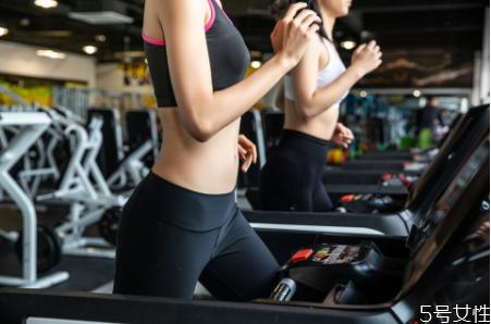不吃晚饭一个月可以瘦多少斤 不吃晚饭跑步会瘦吗