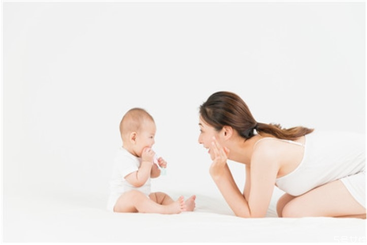 三个月宝宝可以枕枕头吗 三个月宝宝可以枕几厘米枕头