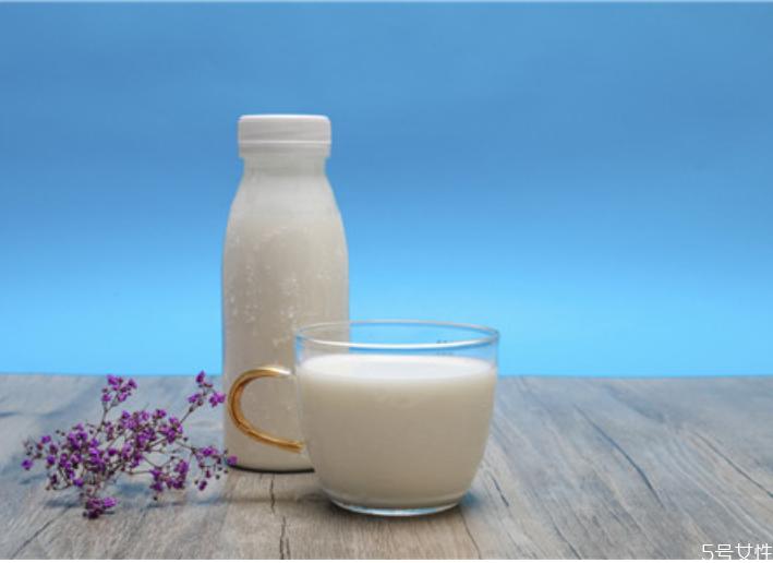 宝宝喝假牛奶对健康有什么危害 儿童食品安全常识