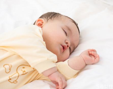 宝宝退烧后可以吹空调吗 宝宝退烧后手脚冰凉是怎么回事