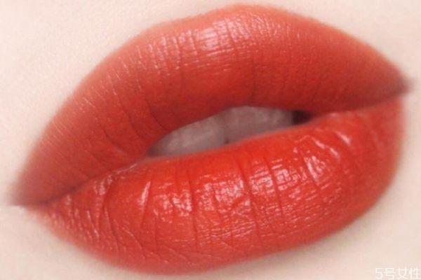 怎么把口红涂成哑光 滋润口红涂出哑光效果