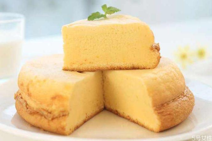 电饭煲蛋糕没有打蛋器怎么办 电饭煲蛋糕不熟怎么补救