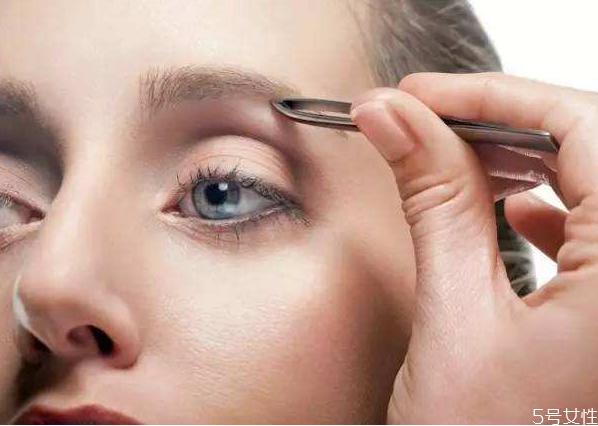 为什么经期不可以纹眉 经期纹眉了会怎样