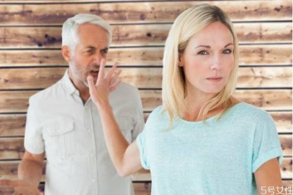 老公精神出轨的表现 老公精神出轨了该怎么处理