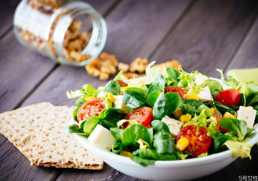 吃菜不放油能减肥吗 长期吃菜不放油会怎样